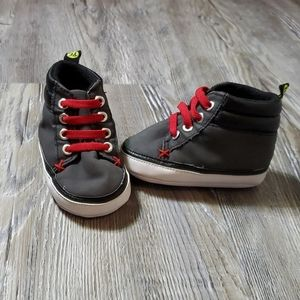 Baby shoes-6-9 months